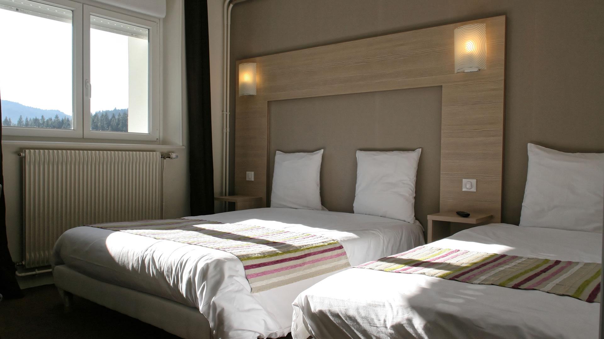 Chambres et suites l 39 h tel l 39 echo du lac for 2 chambres communicantes